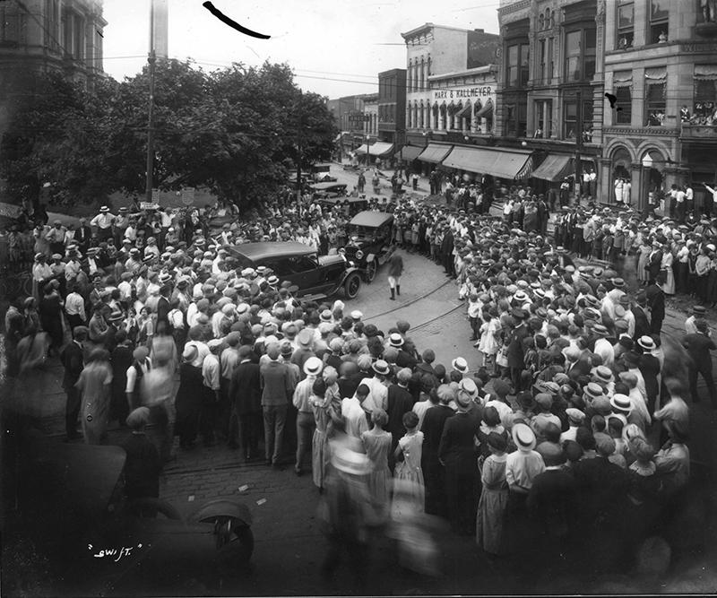 downtown Muncie circa 1924